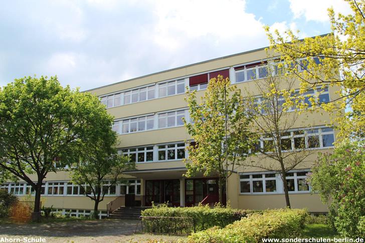 Ahorn-Schule