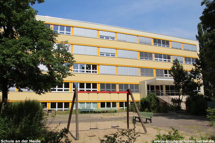 Schule an der Heide